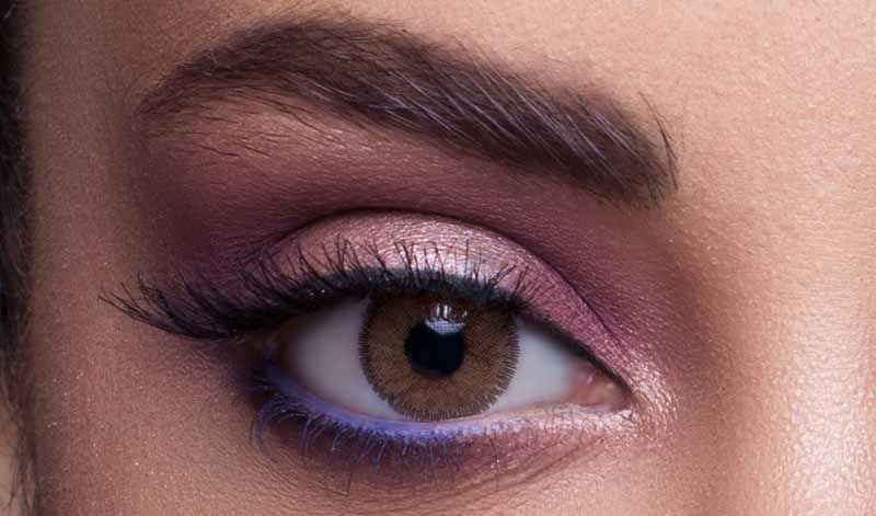 Hareli mi Yoksa Haresiz Renkli Lens mi Tercih Etmeliyim ?